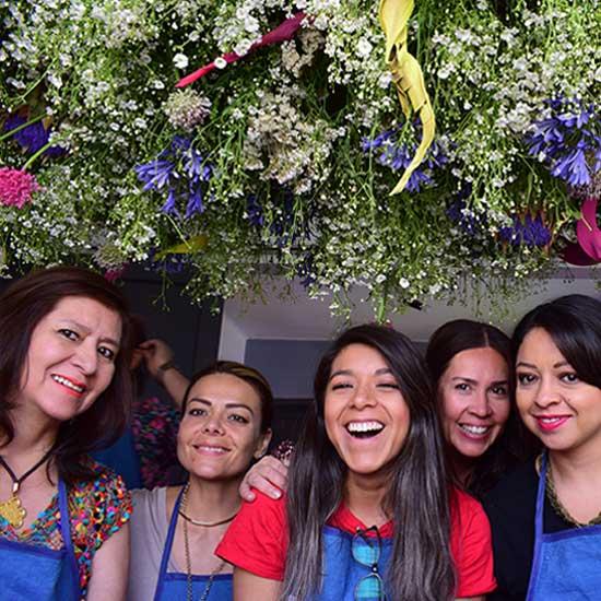 Alumnas felices en el Curso Básico de Floristería